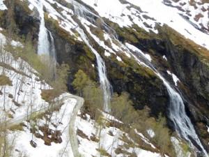 2015 - Fliessend Wasser an der Wand