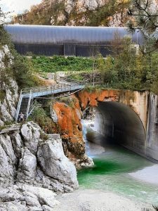 Tunnel über Torrente Glagno